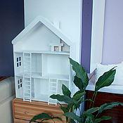 Для дома и интерьера ручной работы. Ярмарка Мастеров - ручная работа Деревянный домик, два этажа и две лесенки, с окнами и камином. Handmade.