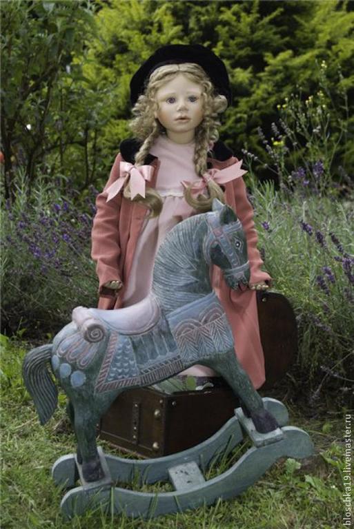 Винтажные куклы и игрушки. Ярмарка Мастеров - ручная работа. Купить Напоминаие о лете девочка и ее изумрудный конь. Handmade. фарфор