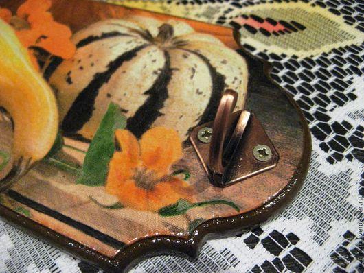 Кухня ручной работы. Ярмарка Мастеров - ручная работа. Купить Вешалка - ключница - панно декупаж Тыквы. Handmade. Панно настенное