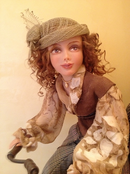 """Коллекционные куклы ручной работы. Ярмарка Мастеров - ручная работа. Купить """"За покупками"""" (кукла на влесепеде). Handmade. Бежевый"""