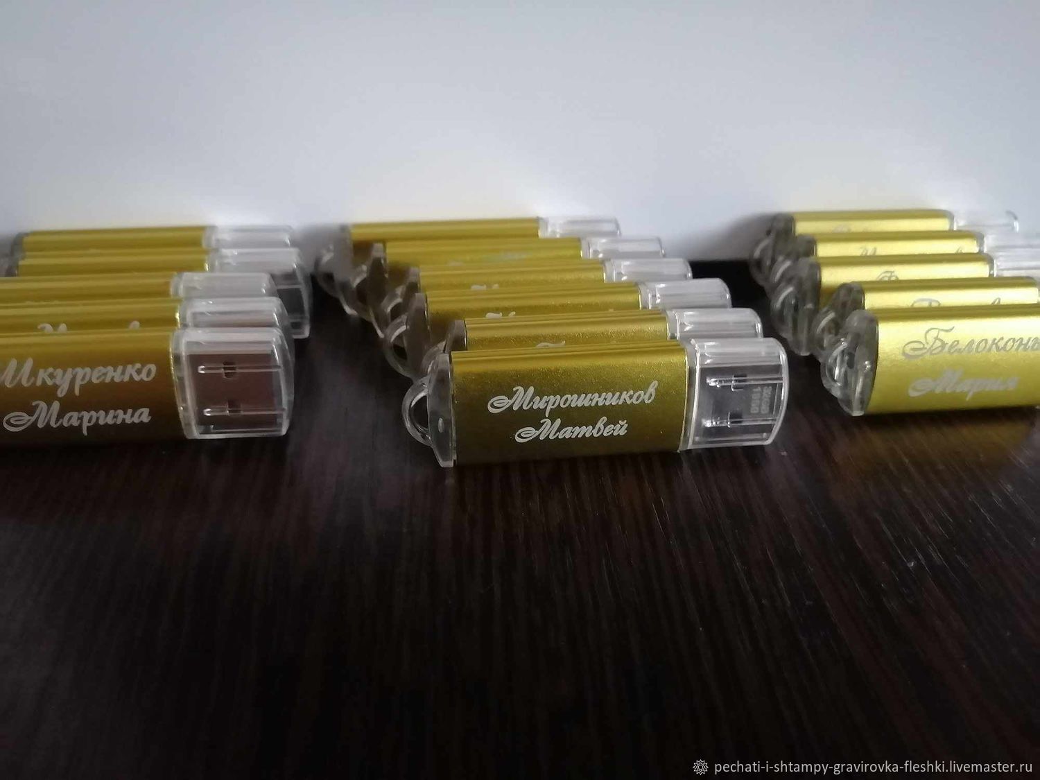 USB flash drive with engraving, customized design, souvenir to the prom, Flash drives, Barnaul,  Фото №1