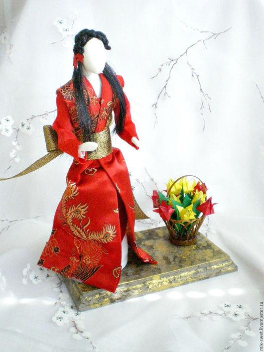 Миниатюра ручной работы. Ярмарка Мастеров - ручная работа. Купить Японка в красном. Handmade. Ярко-красный, кукла, ткань