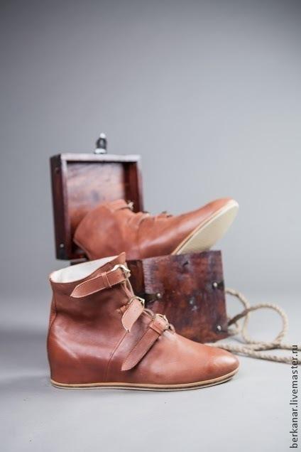 """Обувь ручной работы. Ярмарка Мастеров - ручная работа. Купить Средневековые кожаные ботинки с пряжками """"Королевская Гвардия"""". Handmade. Коричневый"""