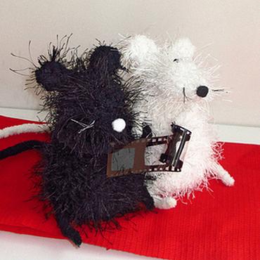 Куклы и игрушки ручной работы. Ярмарка Мастеров - ручная работа Игрушка мышки. Белая мышка. Черная мышка.. Handmade.