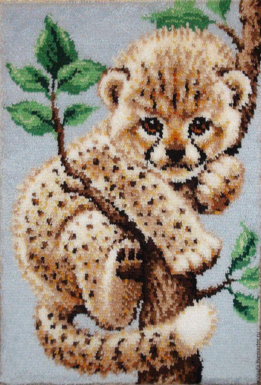 """Животные ручной работы. Ярмарка Мастеров - ручная работа. Купить Вышивка ковровая """"Леопард"""" (котенок).. Handmade. Бежевый, котенок"""