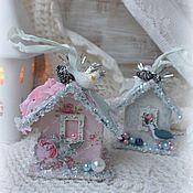 Подарки к праздникам ручной работы. Ярмарка Мастеров - ручная работа ЕЛОЧНЫЕ игрушки -Шебби домики. Handmade.