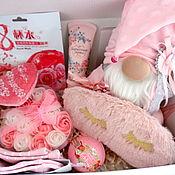 Сувениры и подарки handmade. Livemaster - original item Giftbox with handmade gnome, box with filling. Handmade.