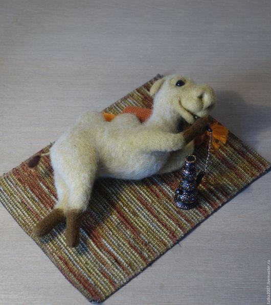 """Игрушки животные, ручной работы. Ярмарка Мастеров - ручная работа. Купить Валяная игрушка Верблюд  """"Старый Джо"""". Handmade. Бежевый"""