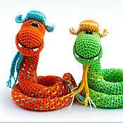 Куклы и игрушки ручной работы. Ярмарка Мастеров - ручная работа Змейки в шапках-ушанках. Handmade.