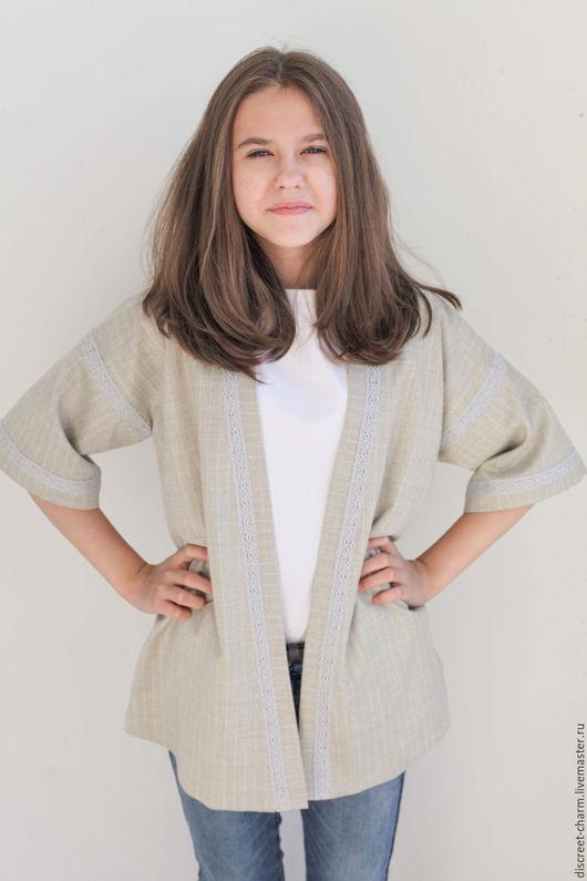 Одежда для девочек, ручной работы. Ярмарка Мастеров - ручная работа. Купить Детский шерстяной кафтан-кимоно с кружевом. Handmade.