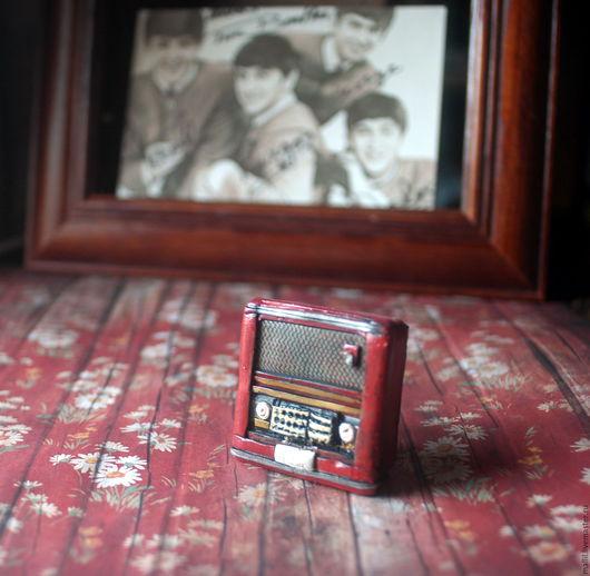 """Броши ручной работы. Ярмарка Мастеров - ручная работа. Купить Брошь """"Радио"""", """"Портфель"""". Handmade. Украшения ручной работы, бохо"""