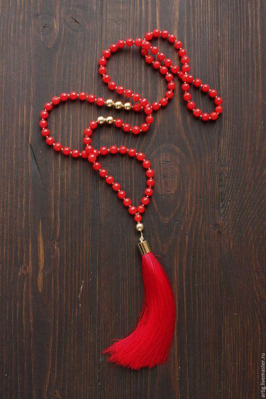 Колье, бусы ручной работы. Ярмарка Мастеров - ручная работа. Купить Красный сотуар из нефрита с шелковой кистью. Handmade.