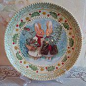 """Подарки к праздникам ручной работы. Ярмарка Мастеров - ручная работа Тарелка """"Зайки"""". Handmade."""