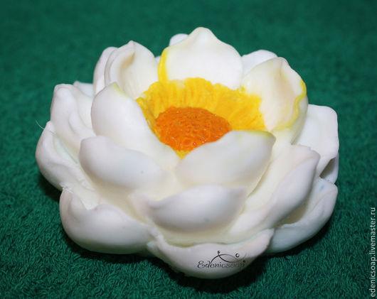 Сувенирное мыло ручной работы. Цветок магнолии. Подарки к 8 марта.