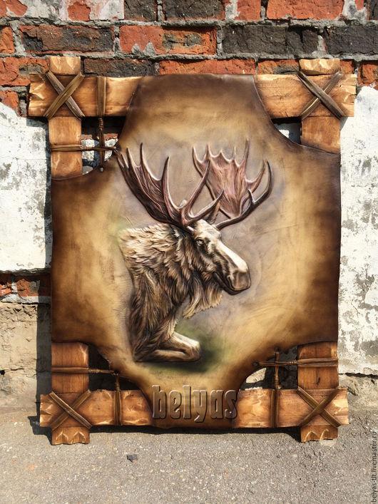 Лось, как считают сами же охотники - животное благородное.  Символ мощи, выносливости и достоинства. Лось также — олицетворение способности сметать преграды на своем пути.