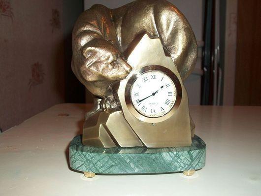 """Часы для дома ручной работы. Ярмарка Мастеров - ручная работа. Купить Часы настольные """"Белый медведь на айсберге"""". Handmade. Часы"""