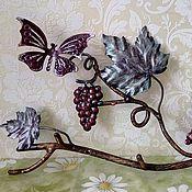 Для дома и интерьера ручной работы. Ярмарка Мастеров - ручная работа Вешалка кованная .  бабочка и виноград. Handmade.