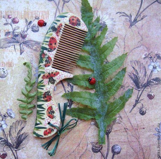 Гребни, расчески ручной работы. Ярмарка Мастеров - ручная работа. Купить Расческа деревянная Божьи коровки. Handmade. Дерево