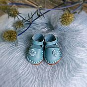 Одежда для кукол ручной работы. Ярмарка Мастеров - ручная работа Туфельки для блайз голубые 28мм. Handmade.