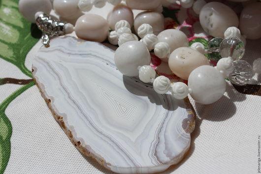 Колье, бусы ручной работы. Ярмарка Мастеров - ручная работа. Купить Серьги в подарок!! Ожерелье из Опала, тридакна и среза Агата CHIC. Handmade.