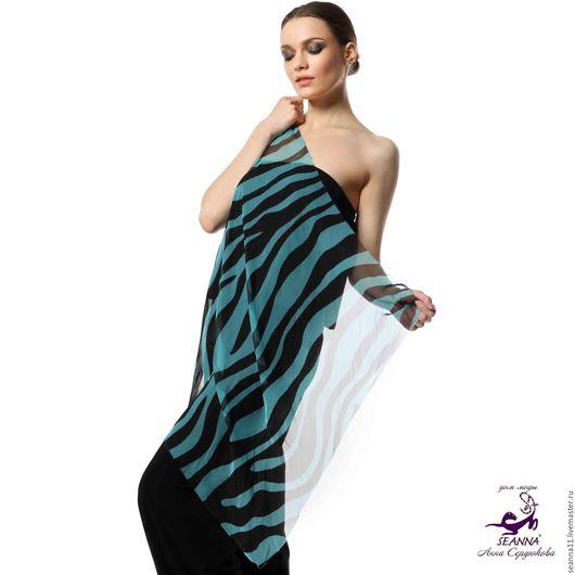 Дизайнер Анна Сердюкова (Дом Моды SEANNA).  Эффектный платок из шифона с авторским принтом `Бирюзовая зебра`. Размер платка - 75х75 см.  Цена - 2900 руб.