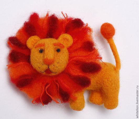 Броши ручной работы. Ярмарка Мастеров - ручная работа. Купить Лев. Handmade. Оранжевый, август, кошка, львицам, в подарок