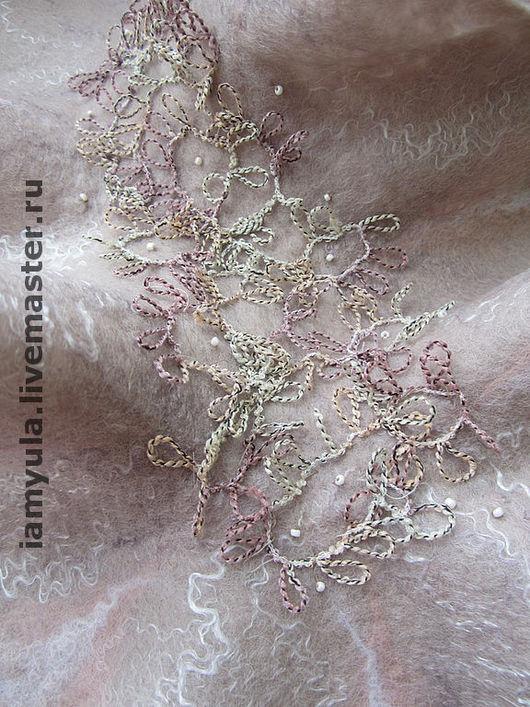 """Шали, палантины ручной работы. Ярмарка Мастеров - ручная работа. Купить Горжетка валяная """"Нюанс"""". Handmade. Шарф, розово-серый"""