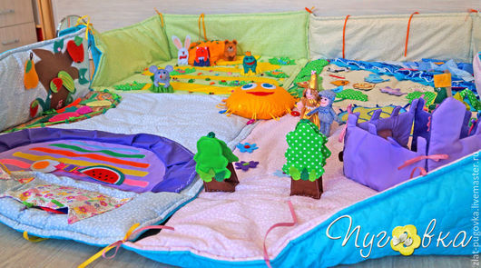 """Развивающие игрушки ручной работы. Ярмарка Мастеров - ручная работа. Купить Развивающий коврик """"Сказочная страна"""". Handmade. Разноцветный, теремок"""