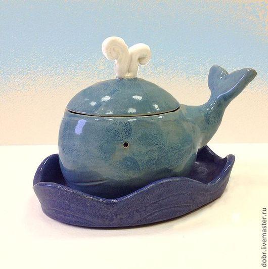 Шкатулки ручной работы. Ярмарка Мастеров - ручная работа. Купить Емкость керамическая Кит в синем море. Handmade. Синий, волны