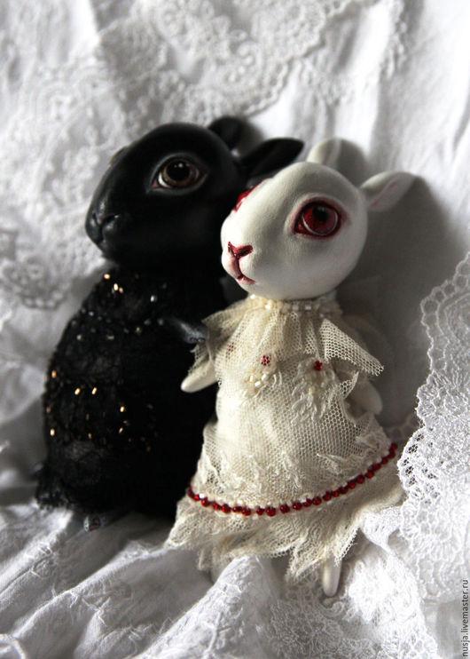 Коллекционные куклы ручной работы. Ярмарка Мастеров - ручная работа. Купить Зайка-малышка. Handmade. Чёрно-белый, зайка игрушка