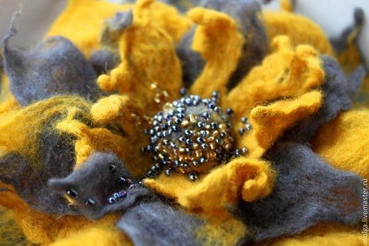 Броши ручной работы. Ярмарка Мастеров - ручная работа. Купить брошь из шерсти Сержо. Handmade. Украшение ручной работы, цветок