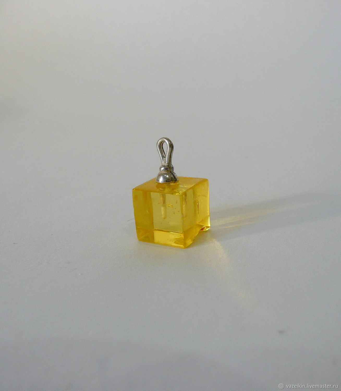 Pendant made of amber 'Cube' K-679, Pendants, Svetlogorsk,  Фото №1