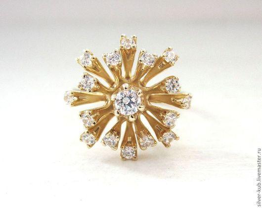 """Кольцо """"Золотой фонтан""""\r\nМатериал: Золото 585 пробы.\r\nРазмер: 17 и 17,5.\r\nКамни: Фианиты."""