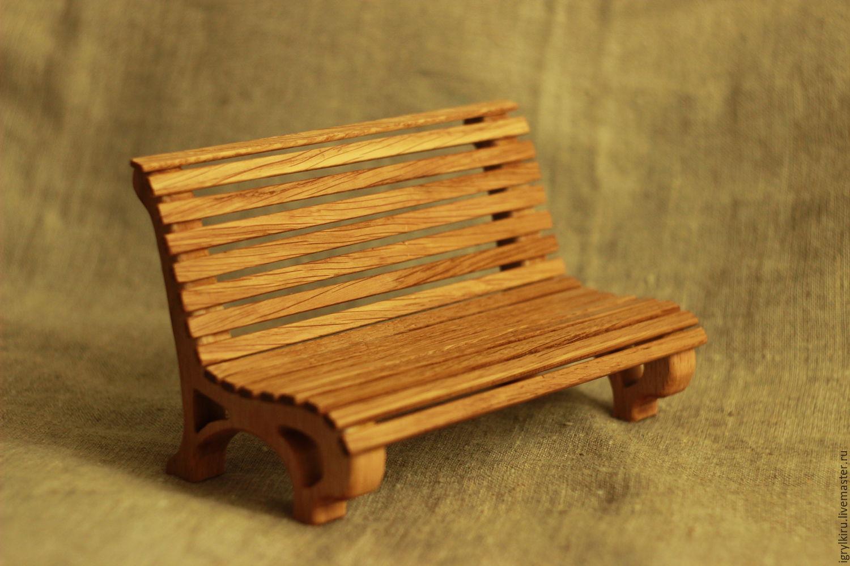 Скамейка для куклы