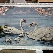 Картины и панно ручной работы. Ярмарка Мастеров - ручная работа Картина гобелен с люриксом Лебиди 130х70 см в рамке. Handmade.