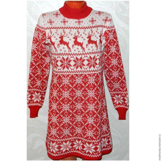 Кофты и свитера ручной работы. Ярмарка Мастеров - ручная работа. Купить Вязаное платье-свитер Новогоднее с оленями и норвежским орнаментом. Handmade.