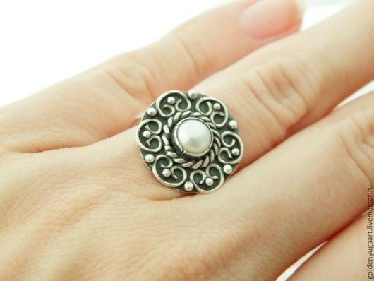 Кольца ручной работы. Ярмарка Мастеров - ручная работа. Купить Кольцо из серебра 925 с натуральным жемчугом. Handmade. Серебряный