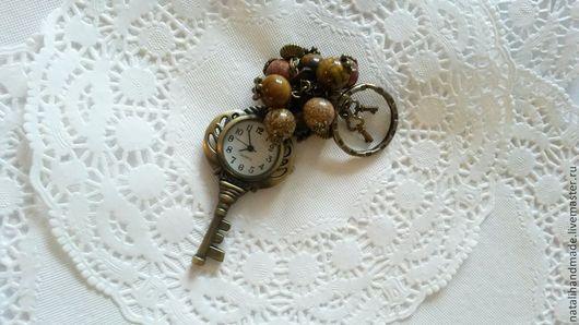"""Брелоки ручной работы. Ярмарка Мастеров - ручная работа. Купить Часы-брелок для сумки или ключей """"Ключик"""". Handmade. Коричневый"""