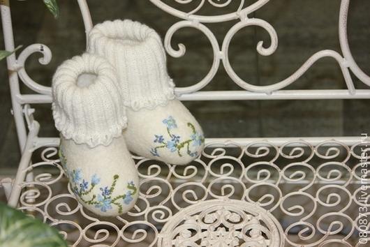 """Обувь ручной работы. Ярмарка Мастеров - ручная работа. Купить Валенки детские """"Кружева цветочные"""". Handmade. Белый, подарок для новорожденной"""