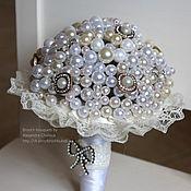 Свадебный салон ручной работы. Ярмарка Мастеров - ручная работа Свадебный букет из жемчуга. Брошь букет невесты ручной работы. Handmade.