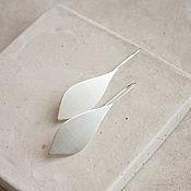 Серьги классические ручной работы. Ярмарка Мастеров - ручная работа Вытянутые серьги с серебрением. Handmade.