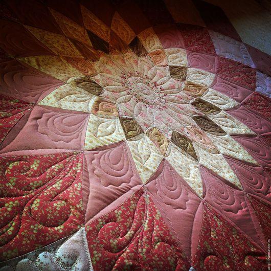 Нереально красивое покрывало!!!! Для VIP- клиента!!! Для дополнения богатого интерьера любимого дома или усадьбы! В этом изделии использованы коллекционные импортные ткани,изысканный подбор цвета.>