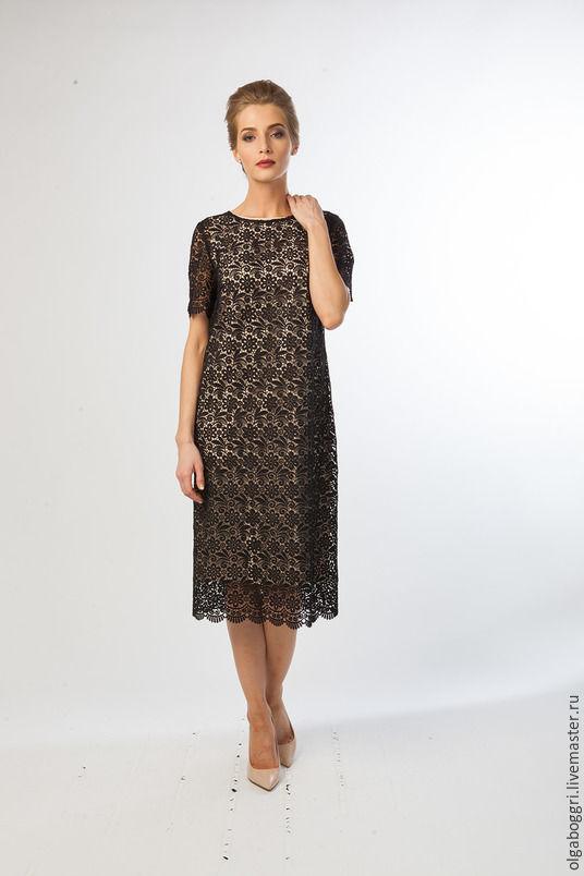 Платье из кружевного полотна вечернее