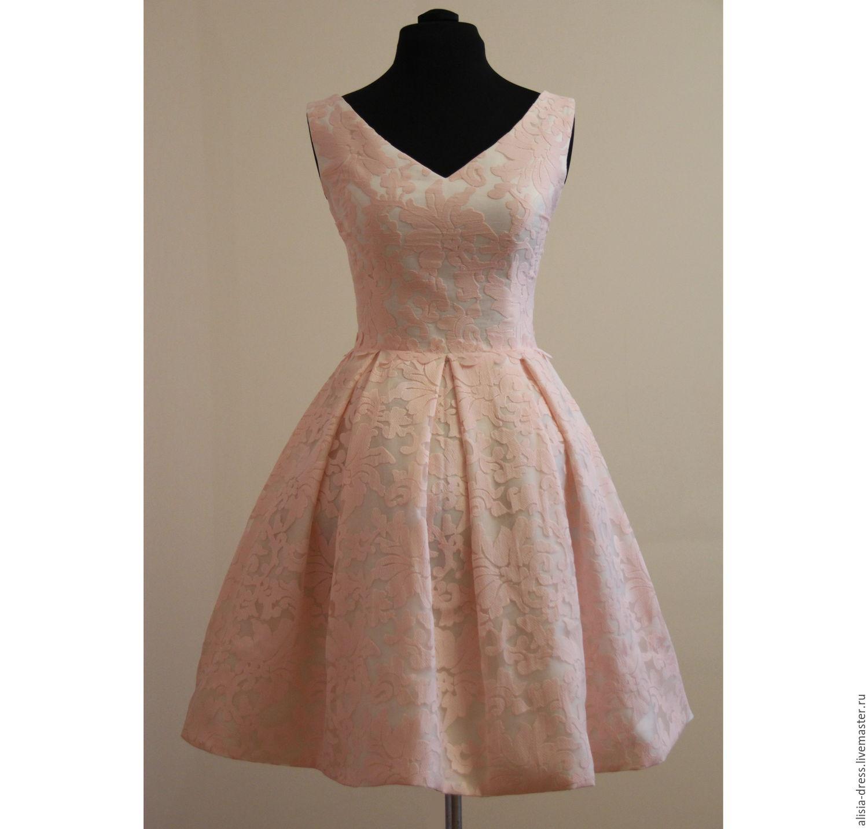 Платье с бантовой юбкой