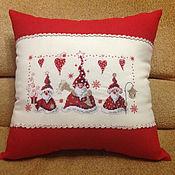 """декоративная подушка с машинной вышивкой """"Новогодняя"""""""