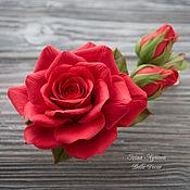 Украшения ручной работы. Ярмарка Мастеров - ручная работа Заколка из полимерной глины с алыми розами. Handmade.