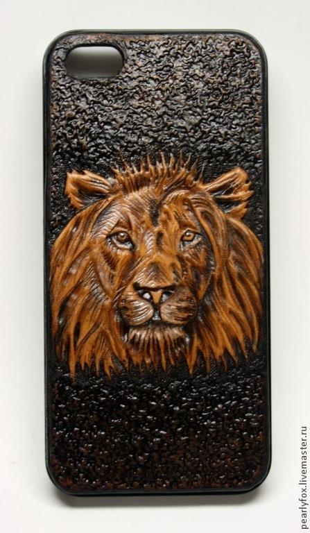 Для телефонов ручной работы. Ярмарка Мастеров - ручная работа. Купить Кожаный чехол (бампер) на Iphone 5/5S Лев. Handmade.