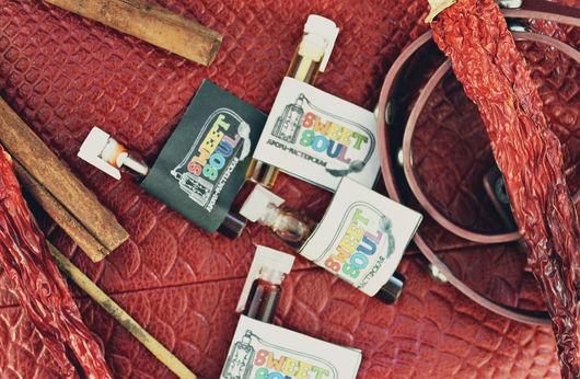 """Натуральные духи ручной работы. Ярмарка Мастеров - ручная работа. Купить Набор пробников """"Немного о любви на языке ароматов"""". Handmade."""