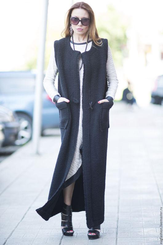Пальто. Пальто с карманами. Пальто из шерсти. Черное пальто без рукавов. Демисезонное пальто. Женское пальто.  Жилет длинный. Жилет