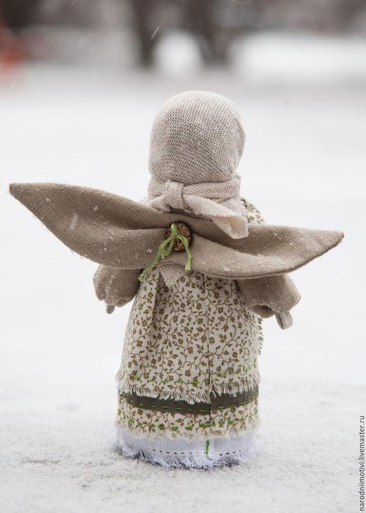 Народная кукла оберег Ангел хранитель с мятой в кармашке, оберег для дома, оберег для семьи, оберег на счастье, куклы обереги, зеленый, бежевый, мята.
